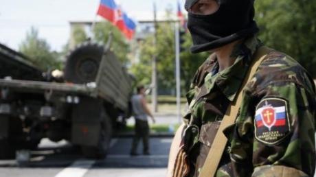 Поступок российского военного в оккупированном Алчевске возмутил Сеть: опубликовано фото