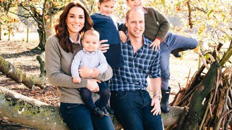 """""""Наши дети и на это способны"""", - принц Уильям и Кейт Миддлтон заставляют своих детей заниматься странным занятием"""