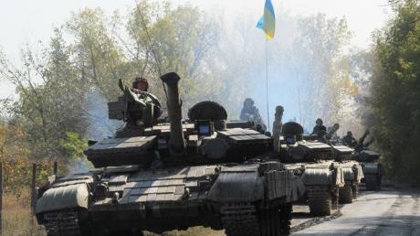 Танки и контрнаступление ВСУ: опубликовано видео мощного танкового прорыва сил ООС на Донбассе