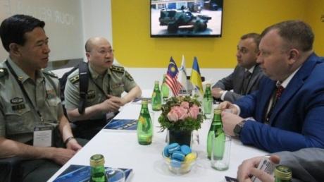 """Малайзия всерьез заинтересовалась приобретением украинских самолетов Ан-148 и комплексов """"Кольчуга-М"""""""