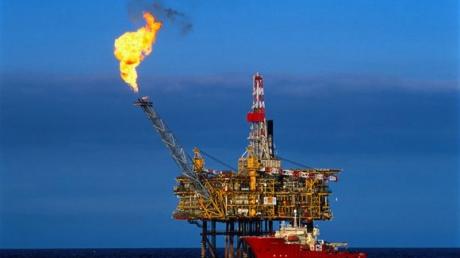"""Из-за Катара и США нефтяной рынок постиг новый обвал цен на нефть - российская """"бензоколонка"""" в шоке"""