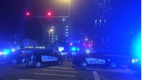 В ночном клубе США конфликт между посетителями закончился жуткой стрельбой. Ранены 17 человек – кадры с места кровавой перестрелки