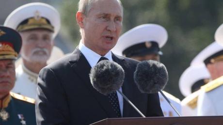 """""""Новый двойник президента России. Такого мы еще не видели"""": Сеть всколыхнули новые фото Путина"""
