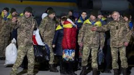Государство начало выплачивать компенсацию в 100 тысяч гривен освобожденным политзаключенным