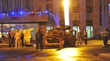 В Донецке слышны взрывы и выстрелы
