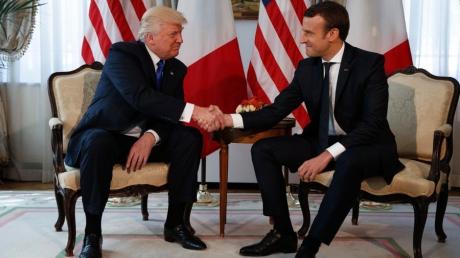 Украинский вопрос на повестке дня: стало известно, о чем говорили Макрон и Трамп на встрече в Париже