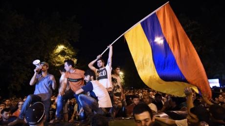 Массовая тотальная забастовка в Армении: все подробности о протестах оппозиции, хроника онлайн