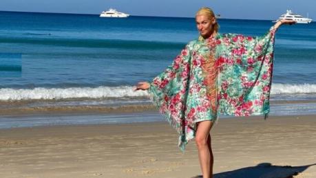 """""""Необходим психолог"""", - Волочкова скинула с себя купальник в Таиланде показав голую грудь"""