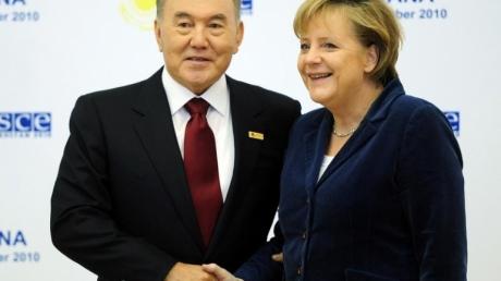 """Меркель планирует провести следующие переговоры """"нормандской четверки"""" в Казахстане"""