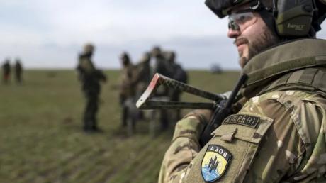 """Обстрелы, опасный быт и тяжелые испытания: """"Азов"""" показал, что такое один день войны на Донбассе"""