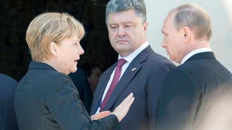 Порошенко и Путин снова поупражняются в словесной дуэли: Елисейский дворец анонсировал важные и долгожданные переговоры по Донбассу