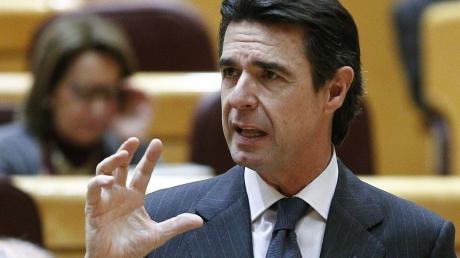 Первая жертва офшорного скандала: испанский министр ушел из политики, признав свою вину