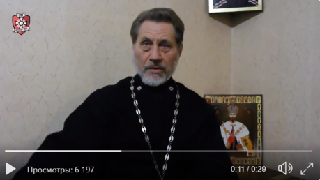 Батюшка Московского патриархата из Донецка с пулеметом пошел против Украины: видео с причиной поразило Сеть