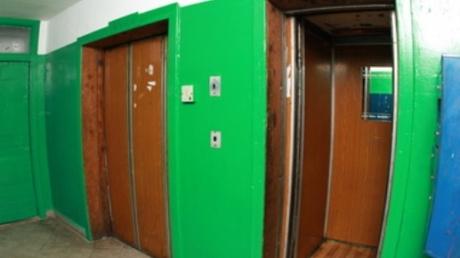 Жуткая находка в многоэтажке Одессы: в шахте лифта найден труп маленького мальчика