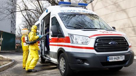 Коронавирусом заразилась 21-летняя девушка под Киевом: что произошло