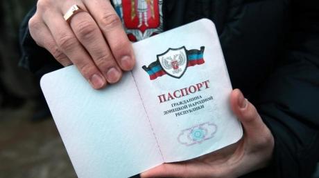 """Путин опять """"кинул"""" Донбасс: из ОРДЛО не пускают в РФ по """"документам"""" """"республик"""", требуют паспорта Украины"""