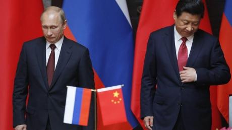 """Китай ввел """"финансовые санкции"""" против России - Москва потрясена, россияне заявляют о предательстве"""
