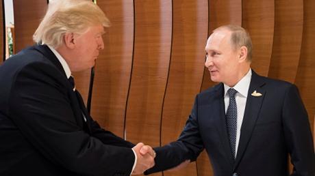 Российский психолог-пропагандист узрел сакральный смысл в рукопожатии Путина и Трампа