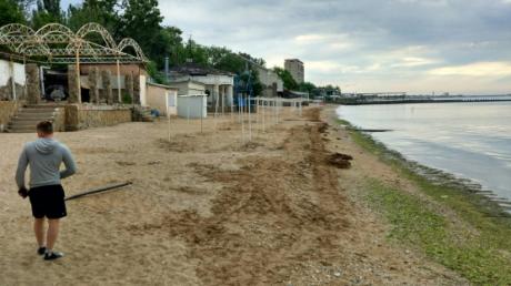 Оккупированный Крым сегодня: катастрофический несезон, страшные пляжи, пустота на побережье и полно бурьянов