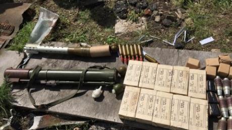 Погранслужба Краматорска нашла тайник с оружием террористов