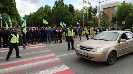 запорожье, украина, 9 мая, день победы, столкновения, полиция
