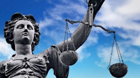Международный суд в Гааге: адвокат Трунов и Россия не должны совать нос не в свое дело, Украина сама разберется в конфликте на Донбассе