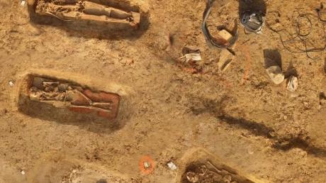 Научные открытия: археологи обнаружили на юге Франции древний некрополь в 315 захоронений