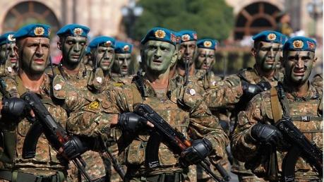 """Россия наступает? Армянский Союз добровольцев """"Еркрапа"""" готов отправиться на передовую и воевать с Азербайджаном"""