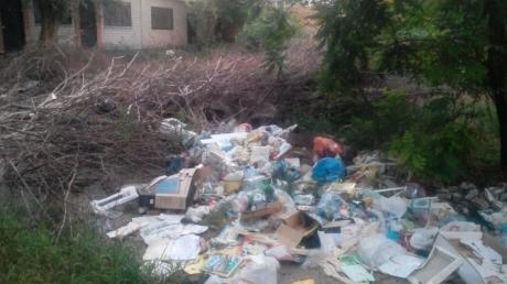 Большая мусорная свалка: патриоты показали, как Россия продолжает уничтожать аннексированный Крым