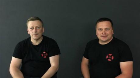 Волонтеров Реуцкого и Васильева освободили в Беларуси – они заявили о насилии в СИЗО