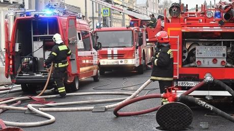 """""""Тела будут вывозить ночью. Город не скоро отойдет от трагедии"""", - последние данные о мощном пожаре в Кемерово, что пишут соцсети. Кадры"""