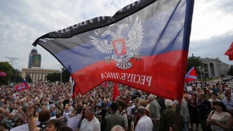 """Жители """"ЛНР/ДНР"""" шокированы: Россия открыто заявила о том, что в аннексированном Крыму они теперь иностранцы и лишаются всех льгот"""