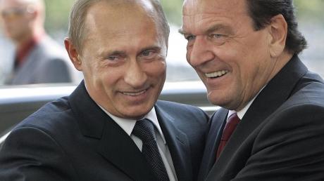 """""""Мы должны быть счастливы, что у нас есть Путин"""", - возглавивший """"Роснефть"""" экс-канцлер Германии Шредер """"пробил дно"""" своим лизоблюдством"""