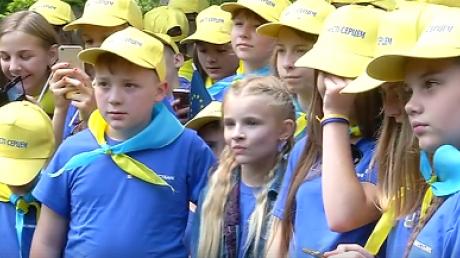 """Порошенко: """"Уверен, когда эти ребята вырастут, Украина уже будет членом Евросоюза"""""""
