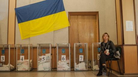 """""""ЕС"""" Порошенко и """"ОПЗЖ"""" Медведчука уже почти догнали """"Слугу народа"""" – рейтинг"""
