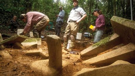 """Пытались найти мифический город ацтеков в Гондурасе, а подхватили """"проклятие Бога"""""""