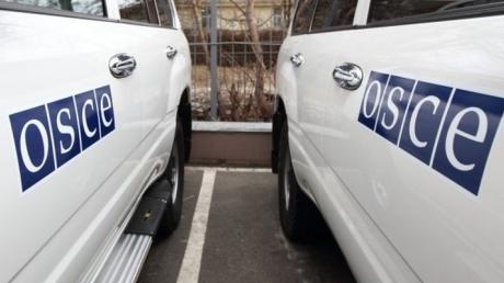 """ОБСЕ зафиксировала множество """"Градов"""", гаубиц и БМП в оккупированном Луганске"""
