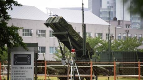 """Мир на пороге войны: Япония развернула свою систему противоракетной обороны Patriot, чтобы """"ответить"""" на угрозы диктаторского режима Северной Кореи - кадры"""