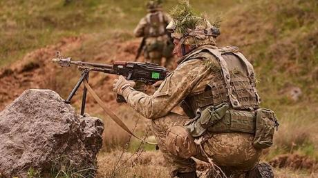 Штаб ООС: в Луганской области бойцы ВСУ потеснили боевиков на 2 километра около села Желобок - кадры
