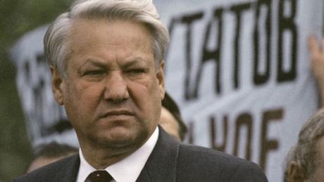 """""""Фанатики, они уничтожают все"""", - в 1996 г. Ельцин предупреждал об аннексии Крыма и войне, которую развяжет РФ"""