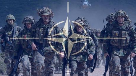 """""""Не допустим нападения на наши границы"""", - США и Великобритания провели крупнейшие военные учения НАТО, отрабатывая сценария военного столкновения с Россией"""