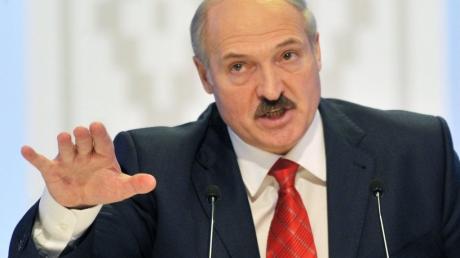 """Лукашенко поставил Кремль на место - такого от него не ожидал никто: """"Включим Россию в состав Беларуси"""""""