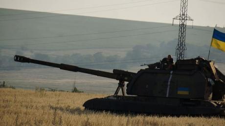 Ожесточенные артиллерийские перестрелки перекинулись на окраины Донецка, в Желобке ВСУ контролируют новые позиции - Стрелков подтвердил успех сил АТО