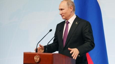 Путин подло заявил, что россияне и украинцы имеют общие интересы: прямая трансляция пресс-конференции лидера Кремля