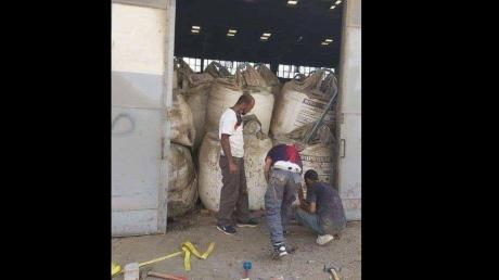Появилось фото селитры в порту Бейрута: перед взрывом произошла роковая ошибка