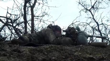 Снайперы ФСБ охотятся на ВСУ: пресс-служба ООС опубликовала видеодоказательства