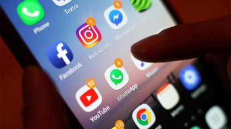 """В Азербайджане закрыли доступ ко всем соцсетям: республика под """"информационным колпаком"""""""