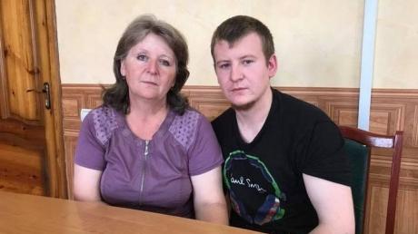 """""""Зачем вам такие приключения?"""": мать российского наемника Агеева призналась, что спецслужбы Путина следят за ней и ФСБ была против ее поездки в Украину"""