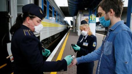 """""""Укрзализныця"""" восстановила продажу абсолютно всех мест в поездах до Киева и обратно"""