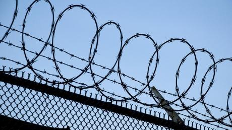 """Крым станет еще больше похожим на тюрьму: Кремль планирует возвести на админгранице с полуостровом """"непреодолимый"""" забор"""